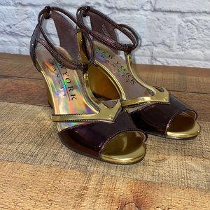 New York Transit Brown Gold Wedge Sandal Shoe